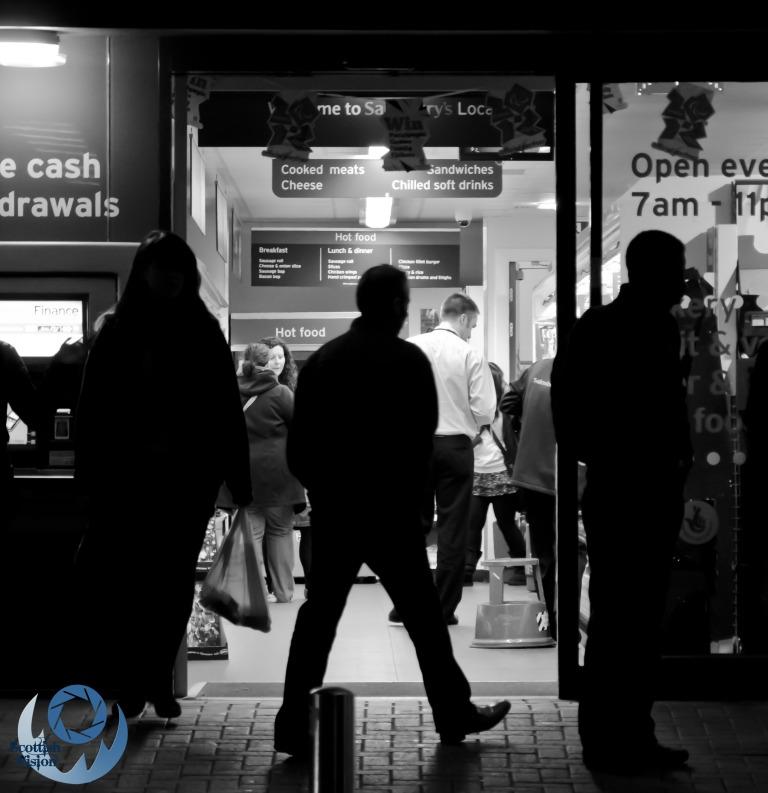 Glasgow night shopping