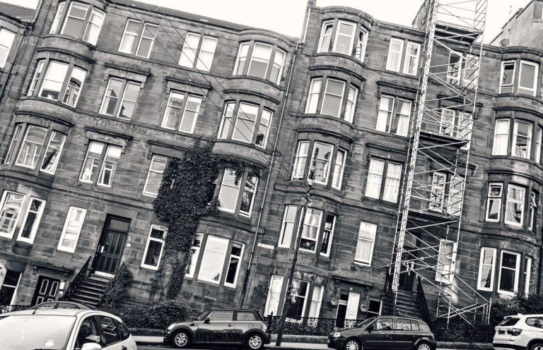 Glasgow flats that lean